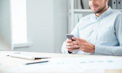 Saiba Como Aplicar A Lei Que Proíbe O Uso De Celular No Trabalho
